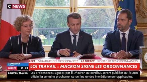 macron signant.jpg